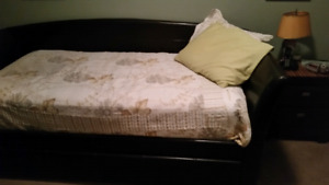 I'm selling my mother's day bed
