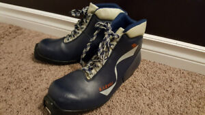 Karhu  and Salomon SNS Profil X Country Ski Boots  EUR 39
