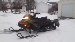 2017 SKIDOO RENEGADE 850 X. WARRANTY. FINANCING  AVAILABLE!
