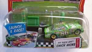 DISNEY PIXAR WORLD OF CARS LAUNCH & RACE CHICK HICKS 86DIE CAST
