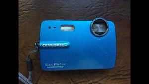 Olympus Stylus waterproof camera 10 mp with batteries