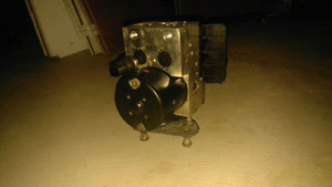 Mercedes-Benz E320 OEM ABS unit