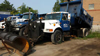 2000 International Single Axle Dump salter plow wing