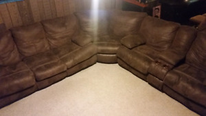 Catnapper 3pc. Sectional,  recliner, pullout  bed, couch