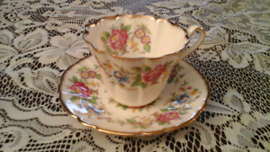FINE BONE CHINA TEACUP, ROYAL STAFFORD, ROCHESTER