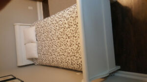 Child's Pottery barn style sleigh bed
