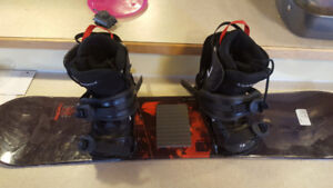 106cmSnowboard size 13 boots and bindings Childfull set up $100