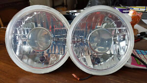 7 inch projector headlights w/replaceable halogen bulb