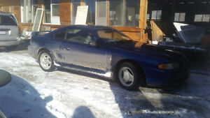 1997 Ford Mustang Coupe (2 door)