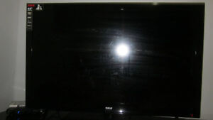 Tv and table - MOVING SALE