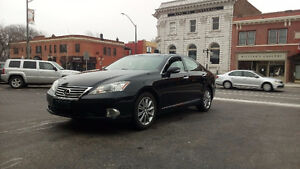 2011 Lexus ES 350  ONLY 90,000  LOADED, LEATHER, MOONROOF!!