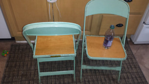 2 Vintage green kids folding chairs