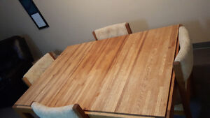 Oak Dining room table& chairs