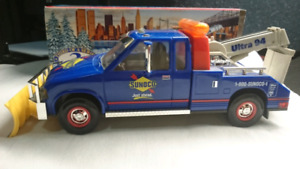 SUNOCO TOW TRUCK WITH SNOW PLOW 1996 COLLECTOR'S EDITION MINT