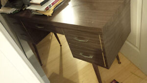 Small desk to give away