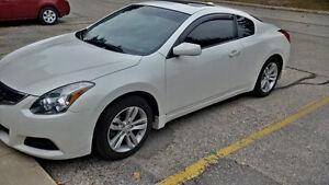 2010 Nissan Altima 2.5 S Coupe (2 door)