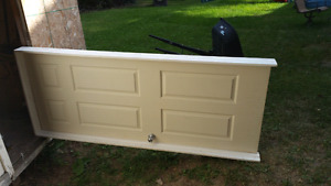 Creme color interior door with casing 32x80