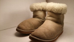 UGG - authentic - femme - taille 8