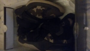 Basket ball shoes brand new