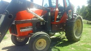 Allis-Chalmers AC7000  tractor