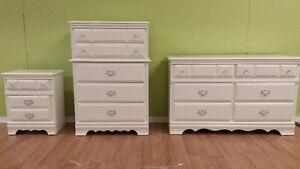 Professionally painted today 3 piecesolid wood dresser set