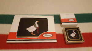 Vintage Pimpernel Casserole Stand & 6 Coasters - Brand New