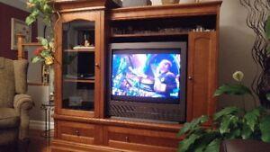 Meuble Télé et Télé 32''