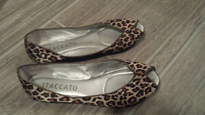 Leopard print open toes shoes italian brand name Staccato