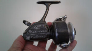 VINTAGE 1970's SHAKESPEARE SPINNING REEL FOR SALE!!