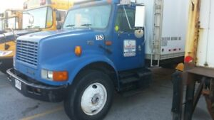 STRAIGHT TRUCK-REEFER-26FT-CLASIC-INTTIONAL-REDUCED 4000$$$!!