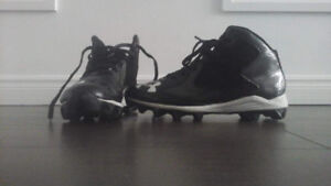 Youth, Football Cleats!