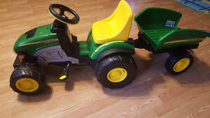 John Deere pedal tractor with trailer