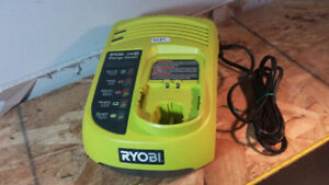 RYOBI P113 18V OUT PUT FAST BATTERY CHARGER
