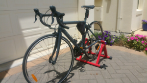 Road bike Reid osprey with Trainer stand Near NEW