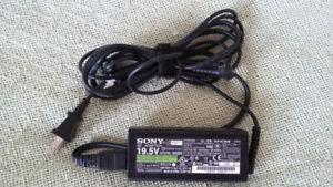 Sony Vaio Adapter 19.5V 3.3A