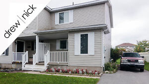 ~Perfect starter home with plenty of parking room~ Kingston Kingston Area image 1
