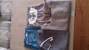 Aritzia outfits...Four to mix and match...great price