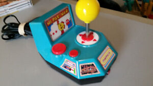 Ms. Pac-man Namco Plug N Play System - Includes 5 games