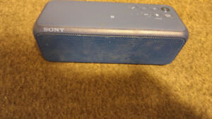 Sony personal wire less blue tooth speaker like new NEED GONE