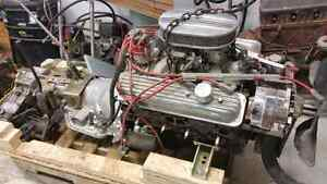 Gm 350 edelbrock intake, holley carb, FJ40