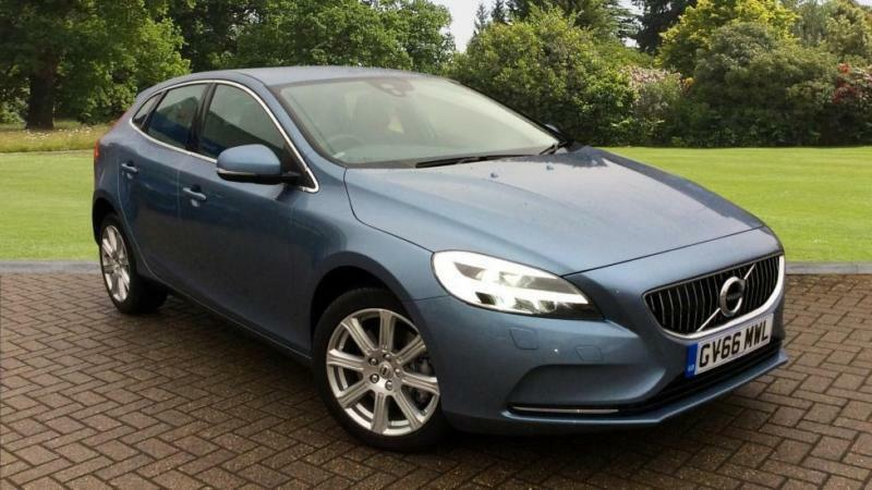 2017 volvo v40 d2 120 inscription 5dr geart automatic diesel hatchback in horley surrey. Black Bedroom Furniture Sets. Home Design Ideas
