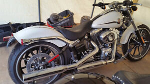 """Brand new Harley-Davidson Breakout  """"VERY GOOD DEAL"""""""