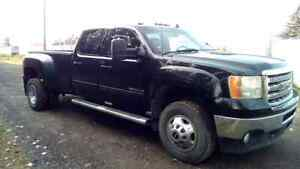 2012 GMC DURAMAX DUALLY HD 4X4
