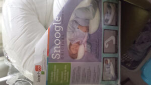 Snoogle Body Pillow - Maternity/Pregnancy Support, Baby/Nursing