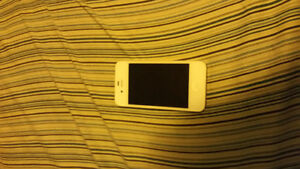 PERFECT CONDITION WHITE IPHONE 4