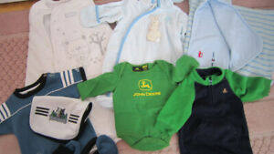 Boys newborn clothes lot 0-3 months + 23 hangers