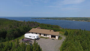 House/Cabin on 4.5 Acres with Ocean View
