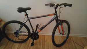 Bicycle a vendre neuf 300 dollard