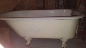 Cast iron, 5' Clawfoot tub