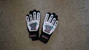 Youth curling gloves brand new